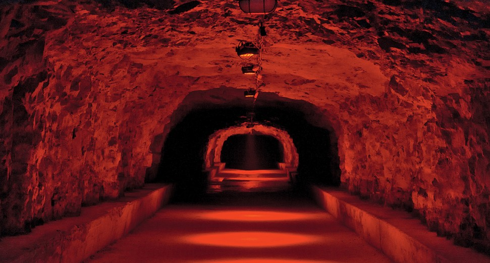 Outlook_Dimensions_tunnel_parties_DJ_Mag