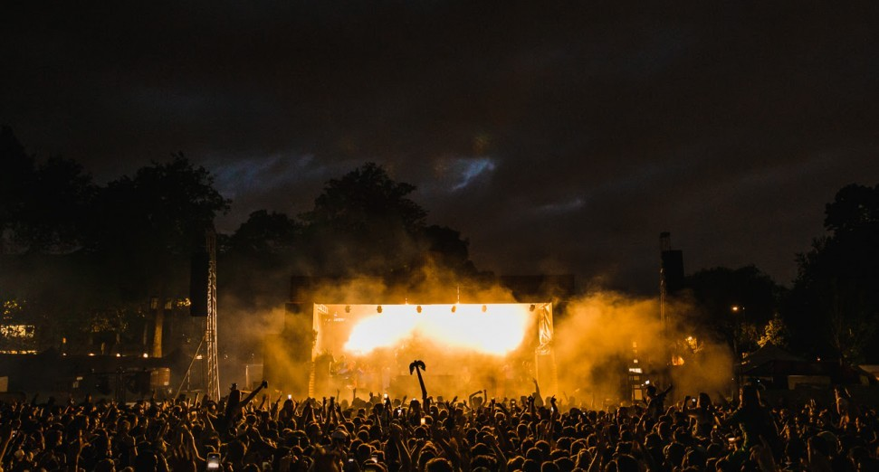 "UK festival season on ""red alert"" over COVID-19 insurance issue warns AIF"